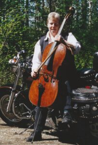 Ellen with cello from 1700